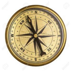 26959583-eenvoudige-oude-koperen-nautische-kompas-geïsoleerd-op-wit-300x297
